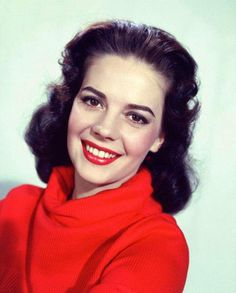 Natalie Wood Color Photo Poster Print for sale Natalie Wood, Vintage Glamour, Vintage Beauty, Miracle On 34th Street, Wood Images, Wood Pictures, The Great Race, Russian American, Splendour In The Grass