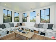 See this home on @Redfin! 14755 Sutton St, Sherman Oaks, CA 91403 (MLS #15-962993) #FoundOnRedfin