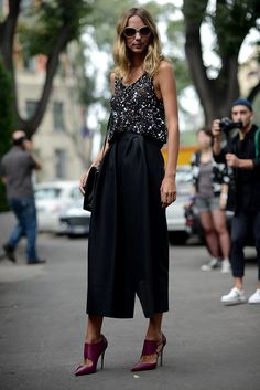 sparkles / black and white / fashion / street style / outfit inspiration / purple shoes / heels