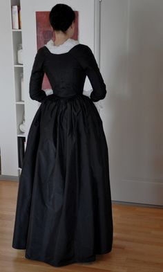 late 18t Century mourning gown - back detail
