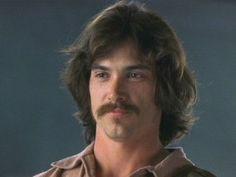 Billy Crudup (con bigote y todo)