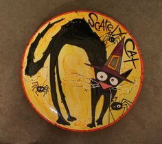 """""""Scaredy Cat"""" Halloween design hand painted on a ceramic plate"""