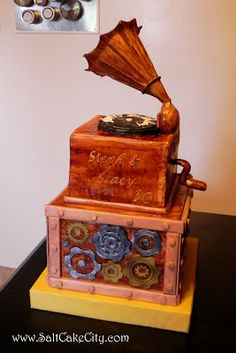 Steampunk Gramophone Cake
