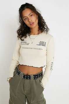 Urban Outfitters Online, Urban Outfitters Women, Cool Outfits, Fashion Outfits, Androgynous Fashion, Coton Biologique, Lingerie, Longsleeve, Models