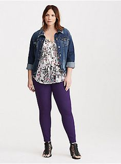 """<div>Our jeggings + a pop of color = obsessed. The same slim fit from hip to ankle, the same tummy-smoothing three-button higher rise waist, the same comfy stretch. Mix in a indigo wash that has us in a purple haze? Total game-changer.</div><div><ul><li style=""""list-style-position: inside !important; list-style-type: disc !important"""">Higher-rise</li><li style=""""list-style-position: inside !important; list-style-type: disc !important"""">Size 18: 11"""" leg opening</li><li style=""""list-style-pos..."""