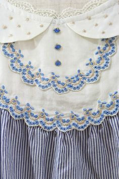 franche lippee, embroidery details