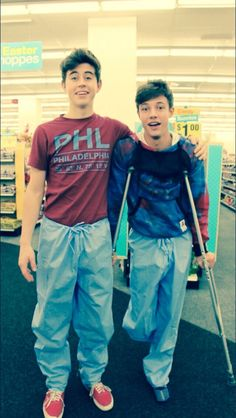 nash felt bad that cam had to wear those pants and didn't want him to feel left out so he asked the people at the hospital if he could wear a pair too. :) #CASH