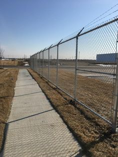We provide a wide variety of chain link fences in Toronto, Mississauga, Brampton, Oakville, Etobicoke to suit your style. Chain link fences are very popular due to affordability and durability. Get a free quote today at Metal Gates, Chain Link Fence, Ontario, Toronto, Commercial, Truck, Industrial, Canada, Meet