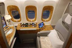 Emirates First Class Kabin _____ Emirates First Class Cabin . . #teknolsun #tech #technology #teknoloji #instatech #igtech #techno #teknolojitasarım #emirates #emiratesairline #firstclass #firstclasstravel #firstclasscabin #firstclasskabin #businessclass #emirateshavayollari #boeing777
