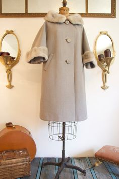 Vintage 1950's Gray Swing Coat / Scalloped Fur Collar / Fur Cuffs / Vintage Buttons / size Medium/ Large