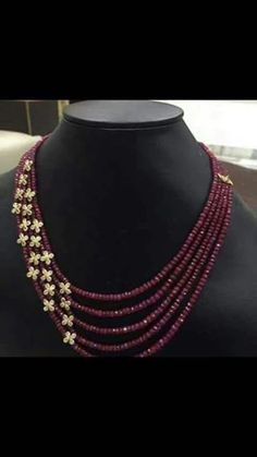 Rubies and diamonds necklace with stars - Gold Jewelry Gold Jewellery Design, Bead Jewellery, Beaded Jewelry, Beaded Necklace, Ruby Jewelry, Diamond Necklaces, Gold Ruby Necklace, Agate Jewelry, Diamond Pendant