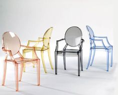 I hope to one day have these Louis Ghost chairs designed by Philippe Starck for Kartell! Philippe Starck, Design Furniture, Chair Design, Space Furniture, Furniture Stores, Sillas Louis Ghost, Lucite Chairs, Ghost Chairs, Chaise Ghost