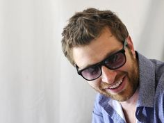 Brett Eldredge challenges 'the sky is the limit'