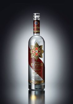 """Vodka """"REWARD"""" on Behance Bottle Packaging, Brand Packaging, Vodka Drinks, Alcoholic Drinks, Cocktails, Fruits And Vegetables Pictures, Alcohol Store, Beer Pictures, Beer Pics"""