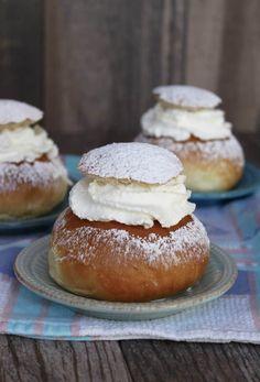 Swedish Cream Buns semlor semla recipe for Fat Tuesday almond paste marzipan Swedish Recipes, Sweet Recipes, Pie Dessert, Dessert Recipes, Just Desserts, Delicious Desserts, Cream Bun, Cream Horns, Sweets