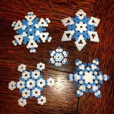Snowflakes perler beads by calicovisions