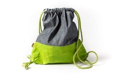 Washable paper COLOR sack with jeans Paper Sack, Vegan Fashion, Colored Jeans, Drawstring Backpack, Backpacks, Sacks, Purses, How To Make, Totes