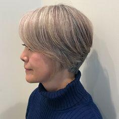 話題の「グレーヘア」作り方|美しいスタイル完成までのプロセス画像 (1/1)| 介護ポストセブン Pixie Hairstyles, Grey Hair, Hair Color, Hair Beauty, Hair Styles, Fashion, Women, Hairstyles, Living Room