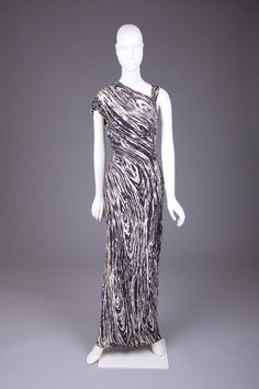 Elsa Schiaparelli, 1938  The Goldstein Museum of Design