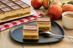Biscuit, Dairy, Cheese, Tv, Cake, Food, Cake Recipes, Television Set, Kuchen