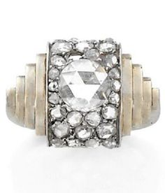 AN ART DECO DIAMOND, WHITE GOLD AND PLATINUM RING ATTRIBUTED TO BOIVIN. CIRCA 1935. #ReneBoivin #ArtDeco #ring