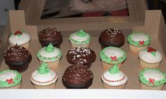 Christmas Cupcakes by Kat