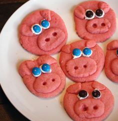 Recipe for Pink Piggie Cookies - My husband was out of town and the 2-year-old and I were just hanging around. You know what that means. Time to bake cookies!