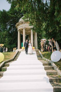 outdoor wedding venue in italy #weddingvenue #outdoorwedding #weddingchicks http://www.weddingchicks.com/2014/01/22/lake-como-italian-wedding/