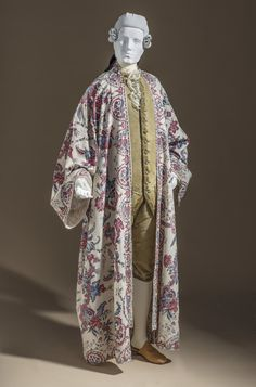 At-home Robe (Banyan)  India, probably Coromandel Coast, for the Western market, circa 1750  Costumes; nightwear (entire body)  Cotton plain weave, mordant-painted and resist-dyed