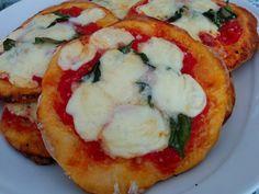 Freshly baked! #pizzette #hotelaperegina #appetizer #dinner #ischia #iloveischia