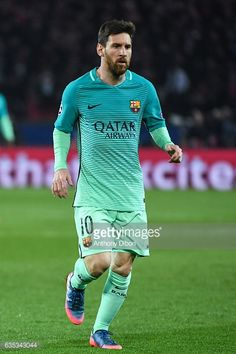 Fotografía de noticias : Lionel Messi of Barcelona during the Champions...