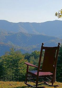 The stunning view from Hemlock Inn in Bryson City, North Carolina. Going to live here one day.