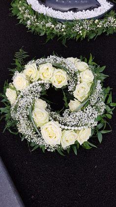 Church Flowers, Funeral Flowers, Wedding Flowers, Funeral Floral Arrangements, Flower Arrangements Simple, Diy Wedding Garland, Ikebana Flower Arrangement, Memorial Flowers, Sympathy Flowers