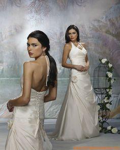 Robe A-ligne avec bretelles au cou en satin ornée de plis et de fleur robe de mariée tatie