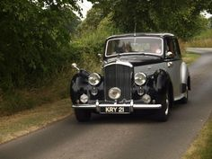 Classic Cars on the Road Again (154)