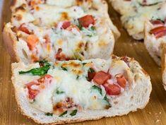Πανεύκολη πίτσα 10 λεπτών με χθεσινό ψωμί