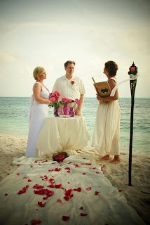 Getting Married on Isla Mujeres?: where to get married on Isla Mujeres? - an entire blog on the subject. Suprised it took me this long to find it.
