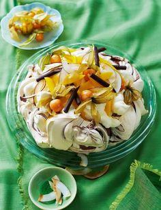 Chocolate swirl pavlova with mango and physalis, from Sainsbury's magazine. Crisp meringue with a billowing cream filling, tropical mango and dark chocolate. This is real 'wow' factor! Pavlova Meringue, Meringue Roulade, Meringue Cake, Anna Pavlova, Macarons, Tiramisu, Cheescake Recipe, Chocolate Swirl, Recipes