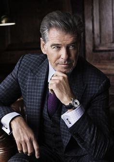 Gentleman of the day : Pierce Brosnan ・・・ Corporate Photography, Photography Poses For Men, Portrait Photography, Corporate Portrait, Business Portrait, Pierce Brosnan, Suit Fashion, Mens Fashion, Daily Fashion