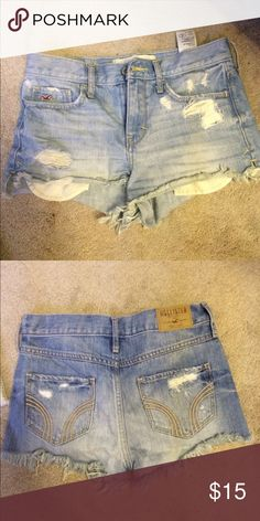 Hollister 0 denim shorts Perfect condition, barely worn Hollister Shorts Jean Shorts