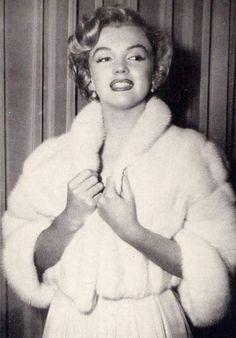 Vintage Fur, Vintage Bridal, Winter Wedding Fur, Hilario, Marilyn Monroe Photos, Fur Stole, Norma Jeane, Old Hollywood Glamour, Fur Fashion