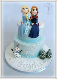 Torta di Frozen con decorazioni in pasta di zucchero n.70