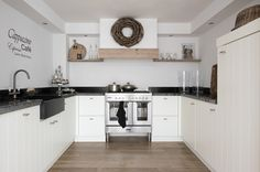 Landelijke keukens, nostalgische keukens, moderne keukens, greeploze keukens