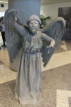 Don't blink or you'll miss this great Doctor Who cosplay by lianthus.