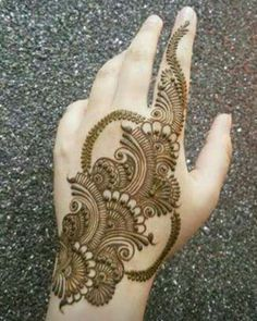 Photo by Noozhat on January Mehndi Designs Book, Simple Arabic Mehndi Designs, Mehndi Designs 2018, Mehndi Designs For Girls, Mehndi Designs For Beginners, Modern Mehndi Designs, Dulhan Mehndi Designs, Mehndi Design Pictures, Wedding Mehndi Designs