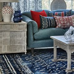 Buy William Yeoward Mariah Indigo Rug Wool online with Houseology's Price Promise. Full William Yeoward collection with UK & International shipping. Rug Size Guide, Luxury Interior Design, Room Rugs, Colorful Interiors, Love Seat, Upholstery, Furniture Design, Room Ideas, Decor Ideas