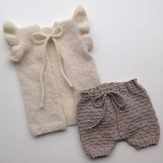 Første afsluttede projekt i april  #strik #knit #strikk #børnestrik #knitspiration #hjemmestrik #homemade #knitinspo123 #knitaholic