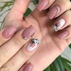 Unhas rosas, unhas lindas, unhas delicadas, unhas decoradas in 2020 Cute Nail Polish, Cute Nails, Tape Nail Art, Pretty Nail Art, Toe Nail Designs, Beautiful Nail Designs, Gorgeous Nails, Spring Nails, Swag Nails