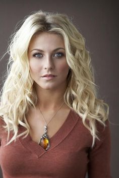 I hate 2 admit it, but I think Julianne Hough is hot – CELEBS Beautiful Celebrities, Beautiful Actresses, Gorgeous Women, Julianne Hough Hot, Blonde Hair Julianne Hough, Corte Y Color, Blonde Beauty, Beautiful Eyes, Amazing Eyes