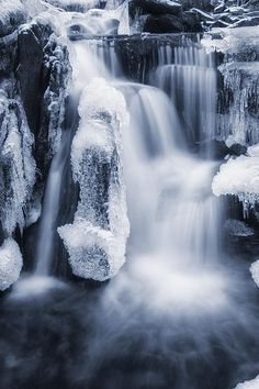 Winter Waterfall | Arild Heitmann